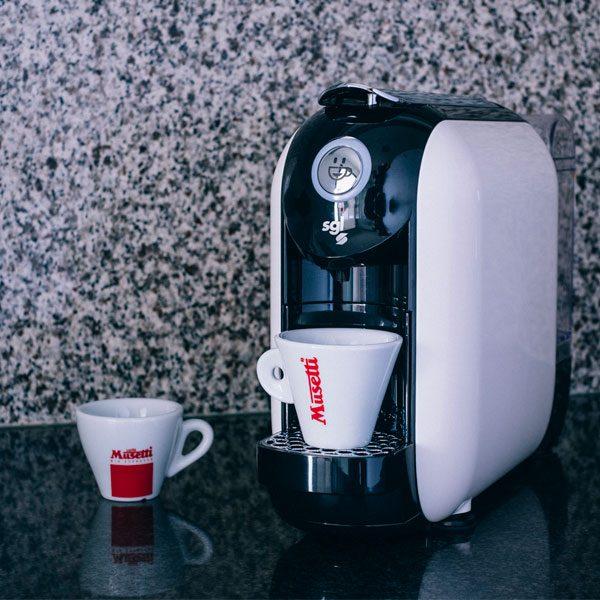 maquina-cafe-capsulas-compatibles-nespresso